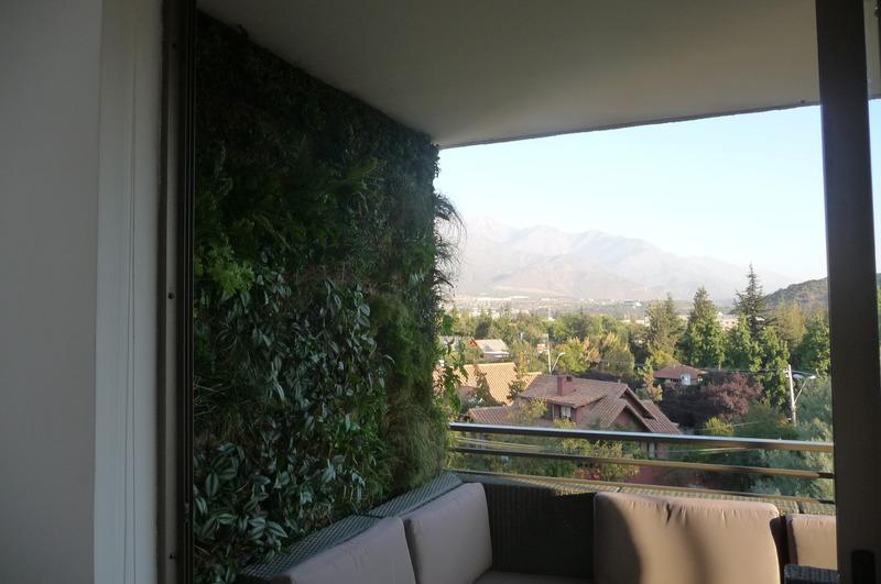 Jard n vertical en terraza la dehesa santiago jardines for Jardin vertical terraza